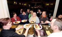20121217 Ein warmes Essen für die Mieter - Wiesbadener Tagblatt