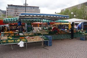 am Wiesbadener Wochenmarkt